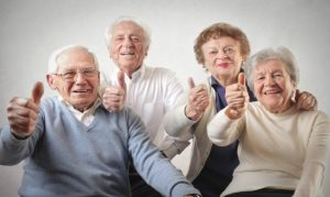 ancianos felices