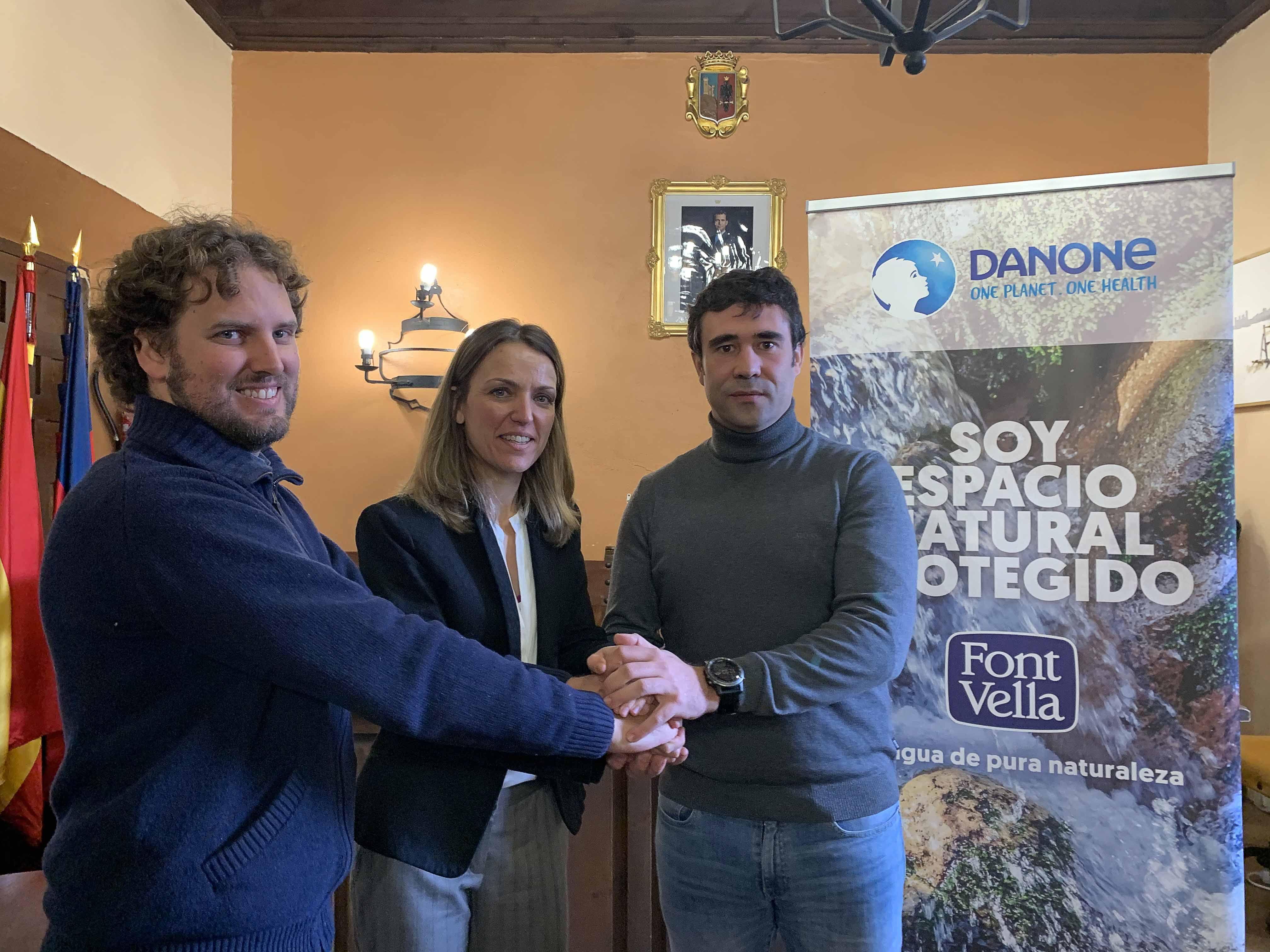 Font Vella, Micorriza y Ayuntamiento se comprometen a preservar el entorno natural de la comarca