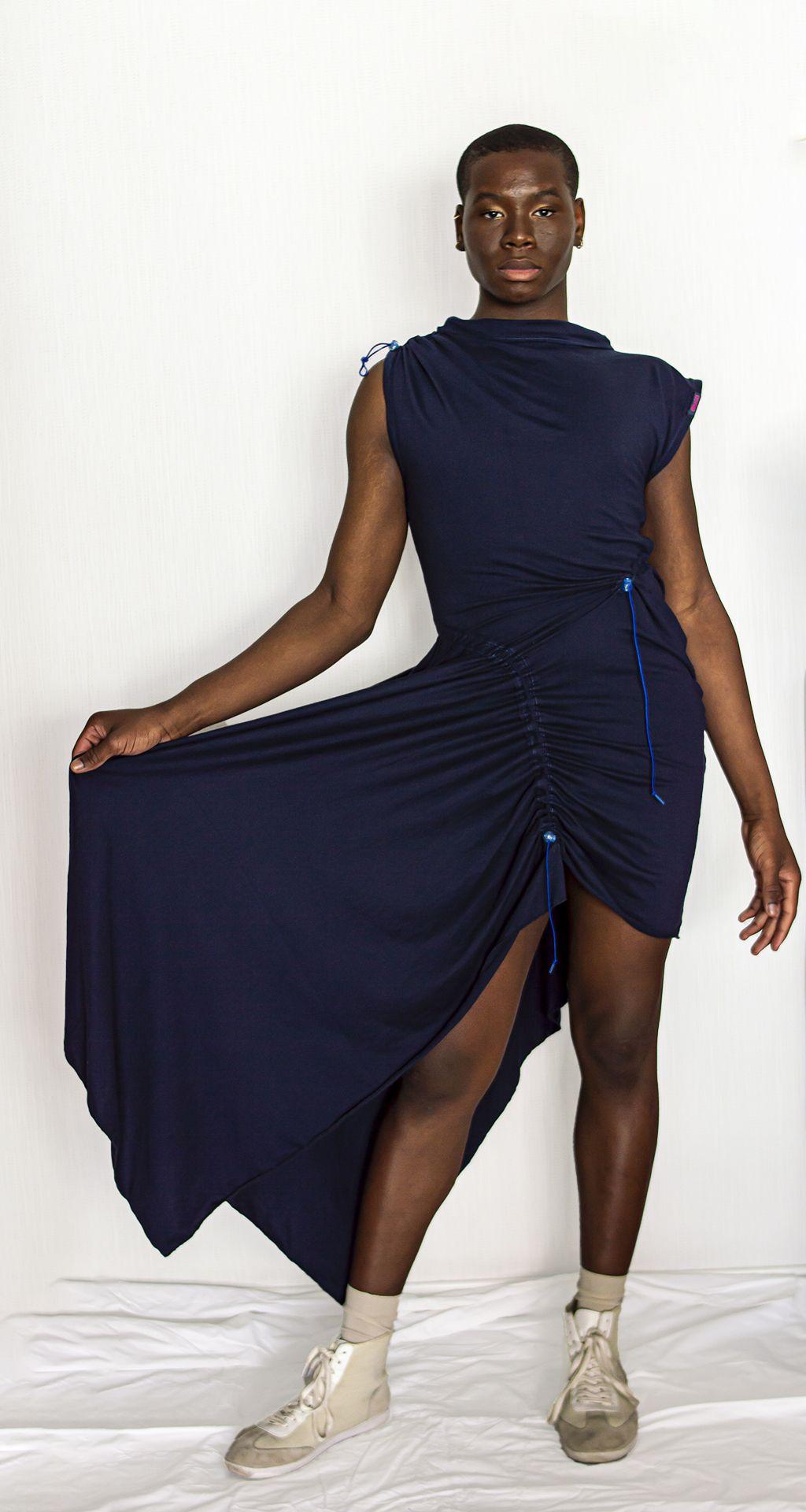 """Transformar lo inservible en deseables prendas de moda, la propuesta de """"Enneges"""" en la MBFW de Madrid"""
